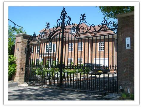 Hundhill Hall Gates Peter Weldon Iron Designs Ltd